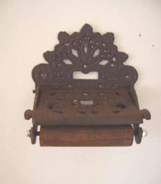 toilettenpapierhalter aus gusseisen beekmann s interieur accessoires. Black Bedroom Furniture Sets. Home Design Ideas